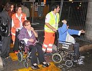 Alcuni dei passeggeri feriti (Ansa)
