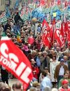 Una manifestazione per la festa del lavoro a Roma