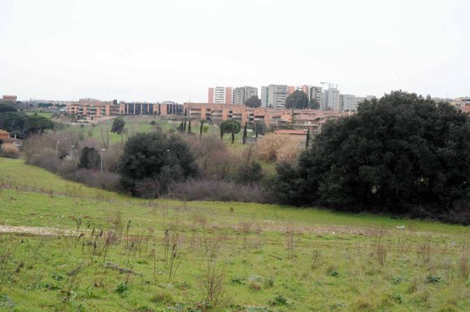 Cemento sul Parco dell'Appia Antica: i limiti dell'area protetta assediati dell'edilizia (foto Mario Proto)