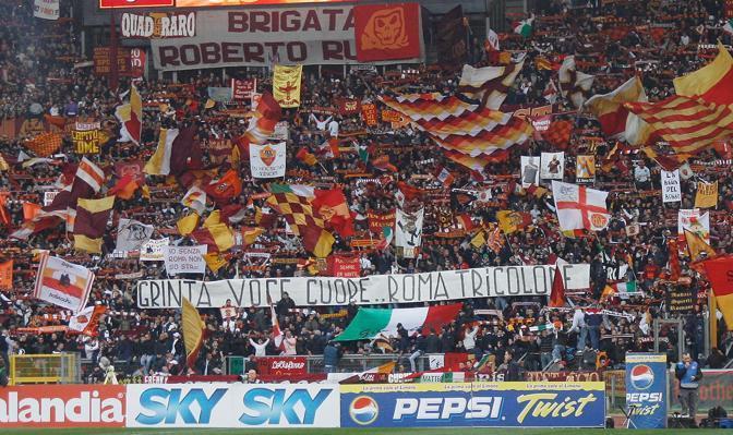 Roma-Inter 2-1: festa in curva sud (Ipa)