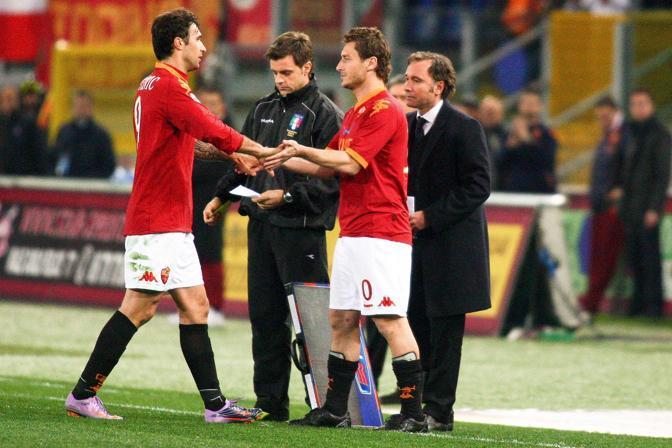 Esce Vucinic, entra capitan Totti (Santi)