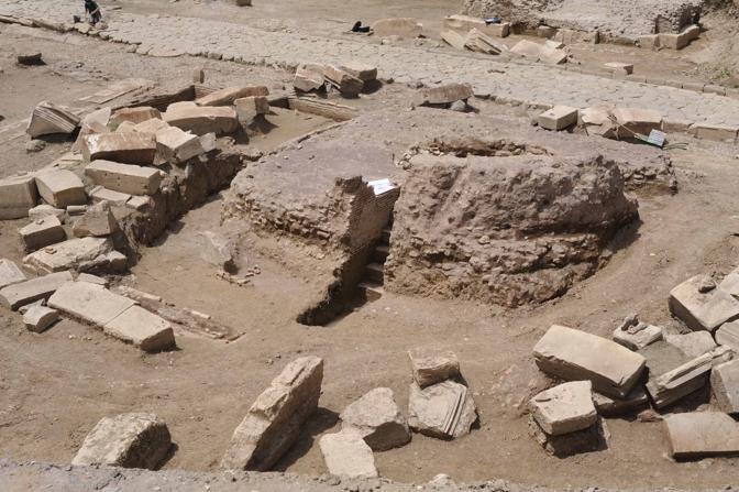 Sulla Flaminia la tomba del Gladiatore: gli scavi in corso in località Due Ponti hanno portato a inizio giugno a ritrovamenti che confermano la collocazione del mausoleo di Marco Nonio Macrinio. Era il generale bresciano che fu a fianco dell'imperatore Marco Aurelio e che, forse, ha ispirato il personaggio del Gladiatore (foto Mario Proto)