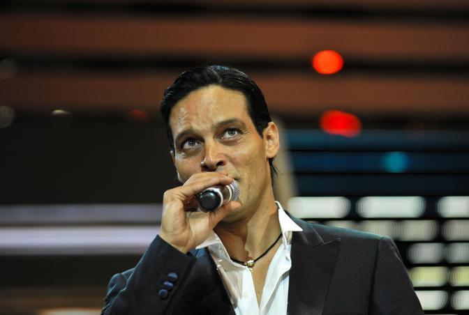 gabriel garko 2010. Gabriel Garko sul palco