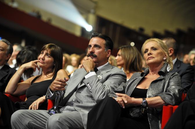 In platea Andy Garcia tra Virna Lisi (a destra) e Renata Polverini (a sinistra) la presidente della Regione Lazio (Ansa)