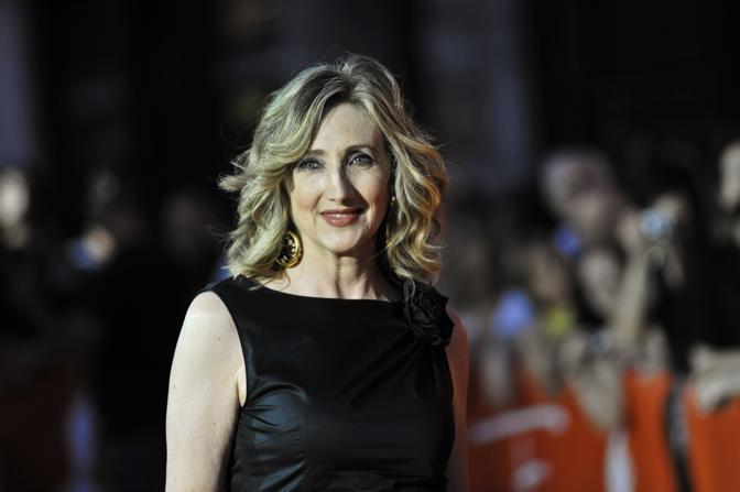 Lunetta Savino si è aggiudicata un ambito riconoscimento internazionale. Insieme con Angela Finocchiaro  ha vinto il premio come Migliore attrice protagonista (sezione Tv comedy) per la fiction «Due mamme di troppo» (Ansa)