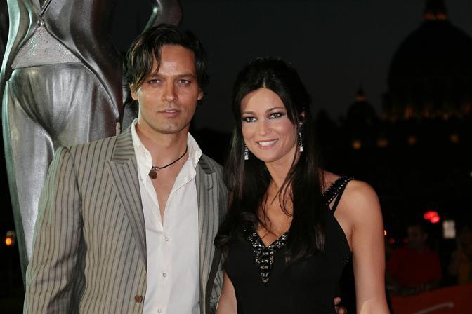 Manuela Arcuri e Gabriel Garco, protagonisti della nuova serie «Il peccatore e la vergogna» presentata al «RomaFictionFest 2010» (Lapresse)