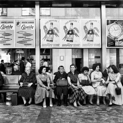 """NINO MIGLIORI. «Il passato è un mosaico da incontrare». Roma, Complesso del Vittoriano 9 luglio 2010 – 5 settembre 2010 (da """" Gente del Nord """" – anni '50)"""