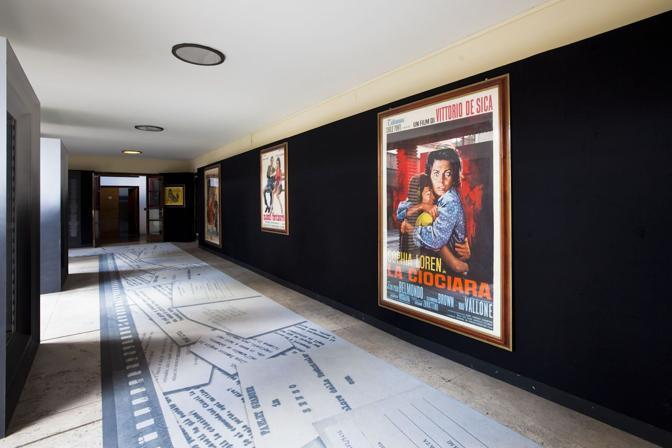 �Dive�: nella mostra in corso al centro Sperimentale di Cinematografia a Cinecitt�, i volti delle grandi attrici italiane dai primi del '900 al neorealismo, dagli Anni '70 ai film in digitale. Sopra: la raccolta di locandine e manifesti