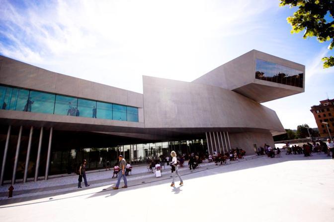 «36 hours in Rome», le tappe dell'itinerario suggerito dal New York Times nella Città Eterna: sopra, le architetture del Maxxi, per il giornale «il museo di arte contemporanea più ambizioso della città»