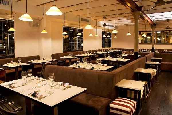 «36 hours in Rome», le tappe dell'itinerario suggerito dal New York Times nella Città Eterna: sopra, l'interno del ristorante Pastificio San Lorenzo ricavato in un ex pastificio