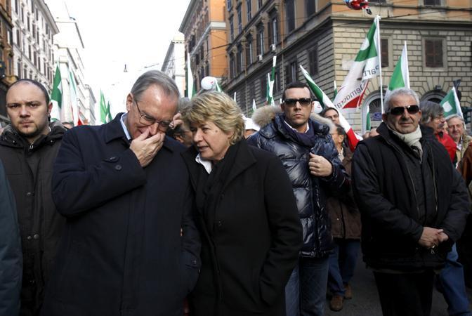 Guglielmo Epifani con il segretario Cgil Susanna Camusso (Ansa)