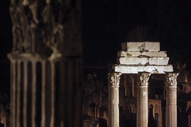 Le nuove luci dall'arco di Tito a quello di Settimio Severo lungo il percorso della via Sacra (Jpeg)