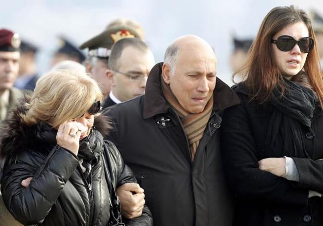 Il dolore dei genitori e parenti (Reuters)