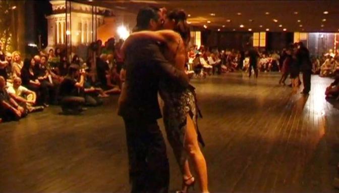 L'esibizione di ballo dei maestri delle scuola romane, in primo piano Marcelo Alvarez e Sabrina Amato