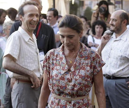 Benigni prova a scena insieme a Lina Sastri (Ansa)