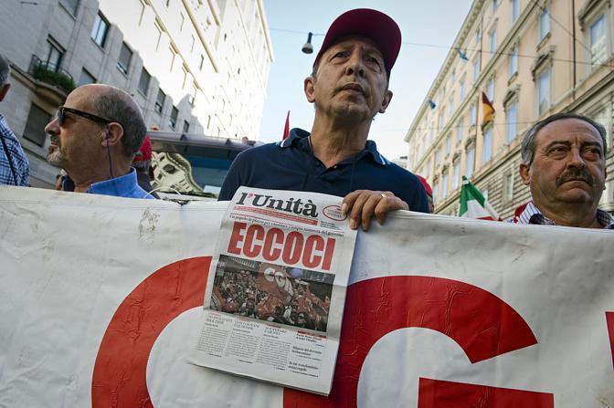 Un momento del corteo della Cgil a Roma in occasione dello sciopero generale del 6 settembre 2011 (Eidon)