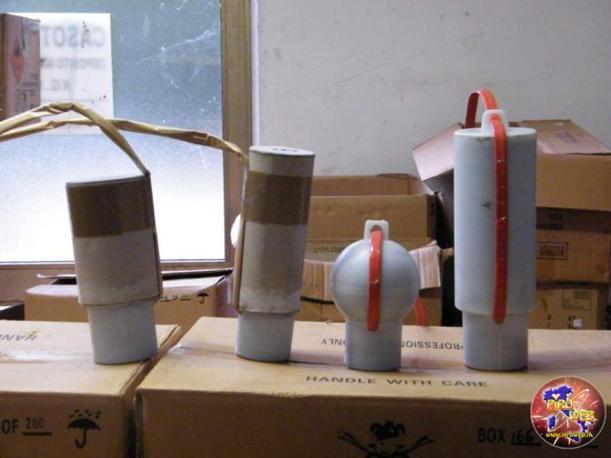 I fuochi d'artificio cilindrici e sferici, di produzione della fabbrica