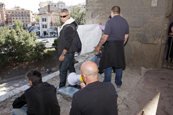 «Occupiamo tutto il Colosseo», hanno promesso (foto Eidon)