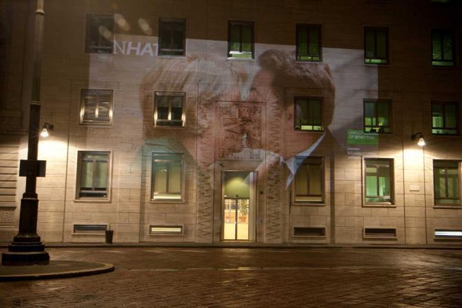 Il blitz in piazza Affari a Milano