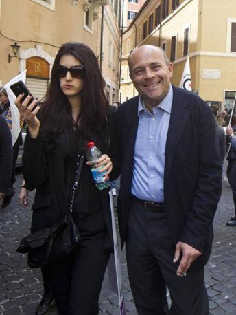 Il deputato Alfonso Papa, finito in carcere nell'ambito dell'inchiesta P4, ha partecipato alla manifestazione organizzata dai Radicali (Ansa)