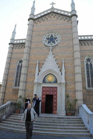 La facciata della chiesa di San Tommaso Moro a San Lorenzo: da circa un anno e mezzo sta diventando un nuovo punto di riferimento per il quartiere (Foto Proto)