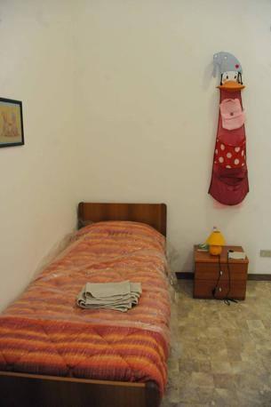 Una delle stanze della Casa Accoglienza Nicoletta Seganti De Fiore: è per i genitori che hanno bimbi ricoverati al Policlinico. Gratuita, è aperta a tutti (Foto Proto)
