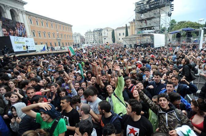 Almeno in trecentomila in piazza San Giovanni a Roma per il Concertone del Primo Maggio (Jpeg)