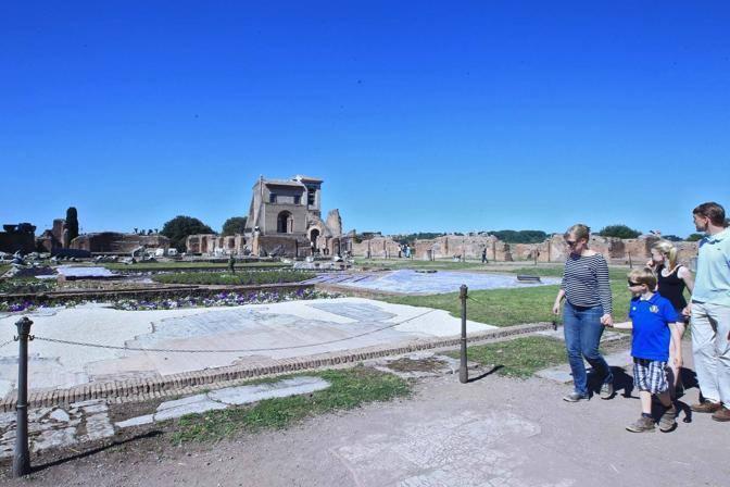 Turisti in visita nella zona degli orti (Jpeg)