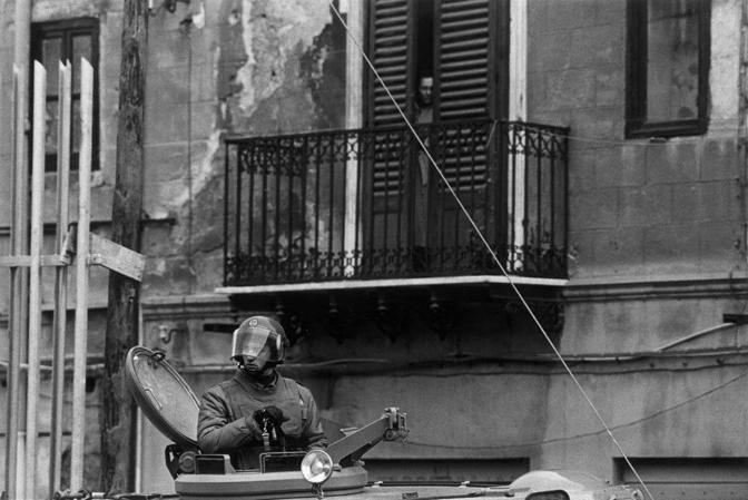 La citt� blindata mentre inizia il maxiprocesso a Cosa Nostra. Palermo, 1986. � Roberto Koch/Contrasto