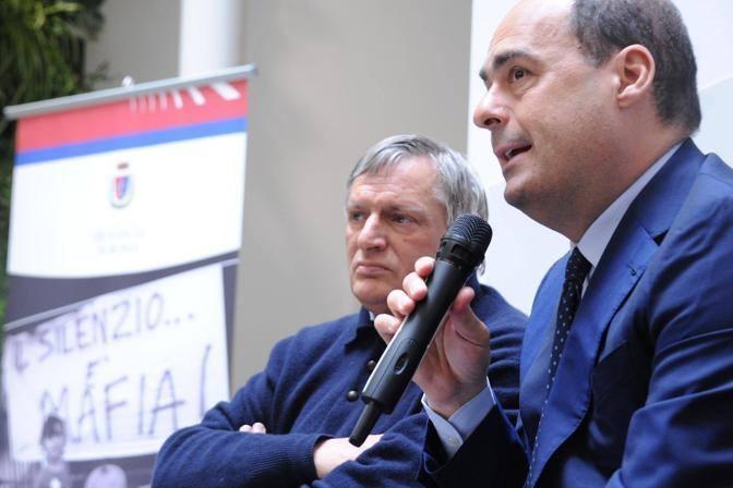 La presentazione della mostra a Palazzo Incontro con Don Ciotti e il presidente della Provincia di Roma Nicola Zingaretti (Foto Jpeg)