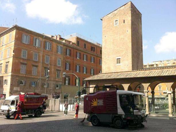 Tram 8, contestazioni e polemiche per i cantieri del prolungamento che sposterà il capolinea a piazzetta San Marco