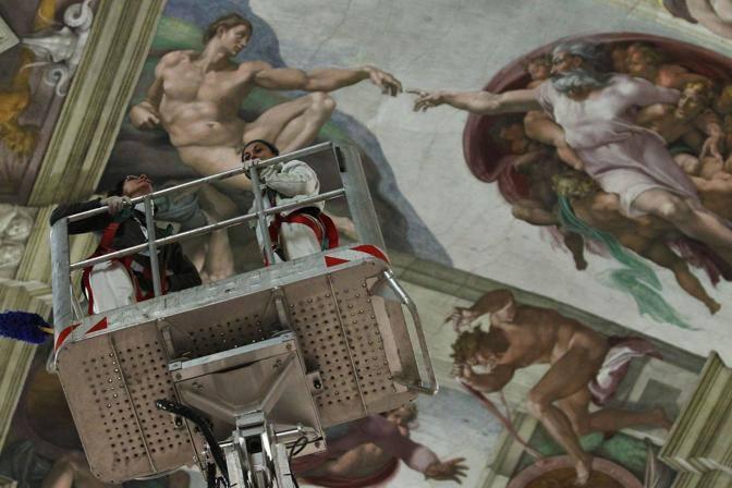 I restauratori curano gli affreschi (foto Benvegnù-Guaitoli © Musei Vaticani - Tutti i diritti riservati)