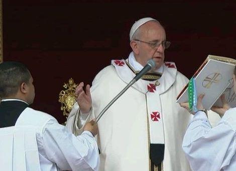 Pasqua 2013: la prima messa pasquale da Papa di Bergoglio: «Accettate Gesù nella vostra vita»