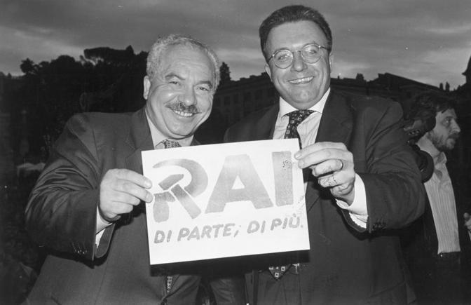 Nel 1994 durante la campagna elettorale insieme con Francesco Storace (La Presse)