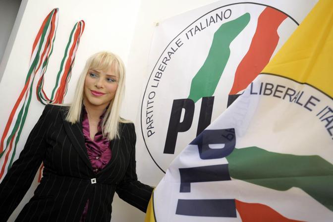 L'ex porno-attrice ungherese (in arte «Cicciolina») che ha alle spalle una lunga militanza politica culminata nell'elezione nel 1987 in Parlamento con il Partito Radicale