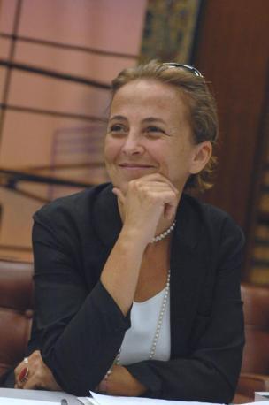 FLAVIA BARCA (tecnica) -Assessorato alla CULTURA- Sorella dell'ex ministro, 50 anni, laureata in materie umanistiche, ha conseguito un master in Communication Policy,  è docente di Economia dei Media a La Sapienza.  Ha pubblicato diversi volumi e articoli sulla comunicazione televisiva