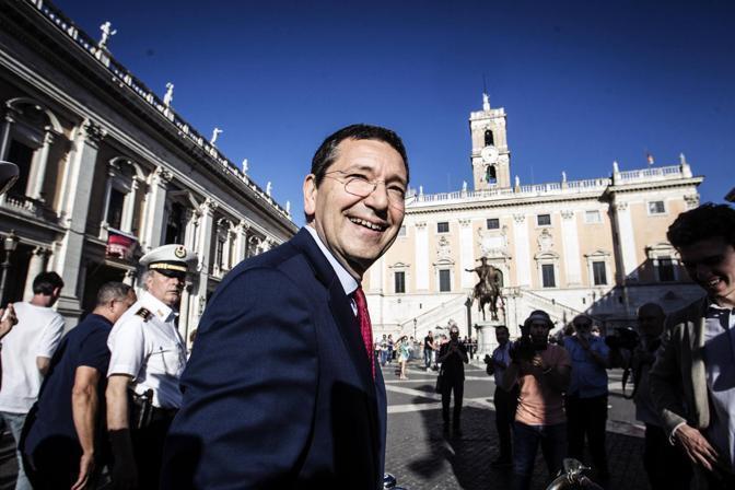 IGNAZIO MARINO - SINDACO. Dopo due settimane di trattative, il sindaco di Roma, 58 anni, vara la sua giunta composta da tecnici e politici. A poche ore dall'annuncio ufficiale, ecco i nomi (foto Ansa)