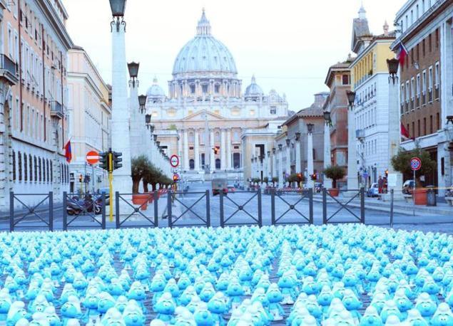 Gli omini blu torneranno  al cinema dal 26 settembre con «I Puffi 2 in 3D», , diretto da Raja Gosnell e distribuito da Warner Bros  (foto Omniroma)