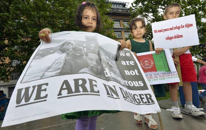 Una manifestazione per bloccare la tratta dei bambini, a Bruxelles il 20 giugno in occasione della giornata Mondiale del rifugiato (Afp Photo)