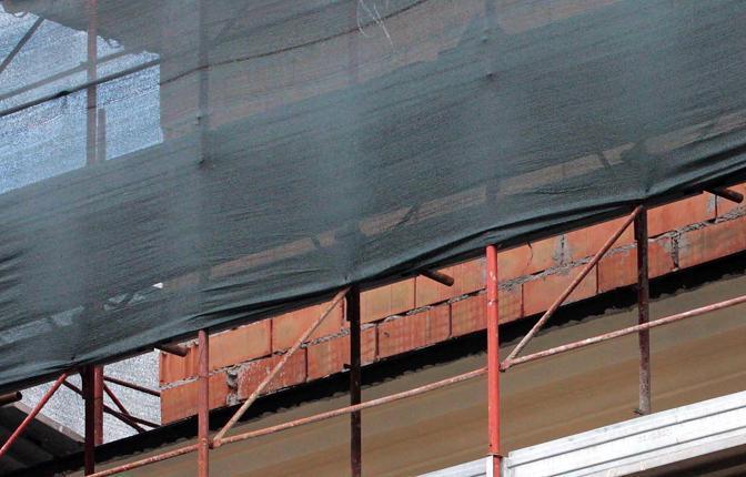 Abuso edilizio a Montesacro: un piano in più per le Suore ancelle del Cristo Re, costruito in pieno agosto nonostante il sequestro del cantiere ordinato dal III Municipio (foto Jpeg)