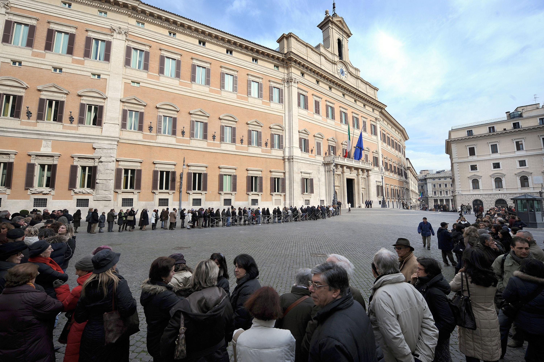 Domenica montecitorio a porte aperte corriere roma for Piazza montecitorio 12