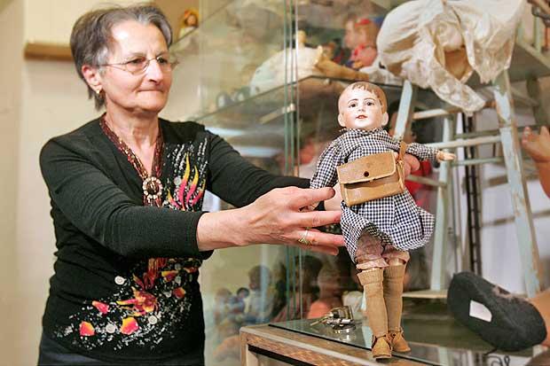 Favorito Addio alle bambole - Foto del giorno - Corriere Roma HA29