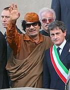Gheddafi e Alemanno in Campidoglio (GraffitiPress)