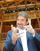Gigi Proietti al Globe (Ansa)