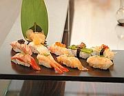 Un elegante presentazione di sushi (foto Giberti)