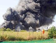 Incendio in via dell'Almone (foto Proto)
