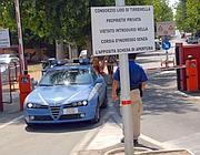 L'entrata del «Lido di Tirrenella» (foto Faraglia)
