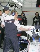 Zanardi fa il test alle macchine di Formula Uno anche se ha due gambe amputate (Foto Ap)