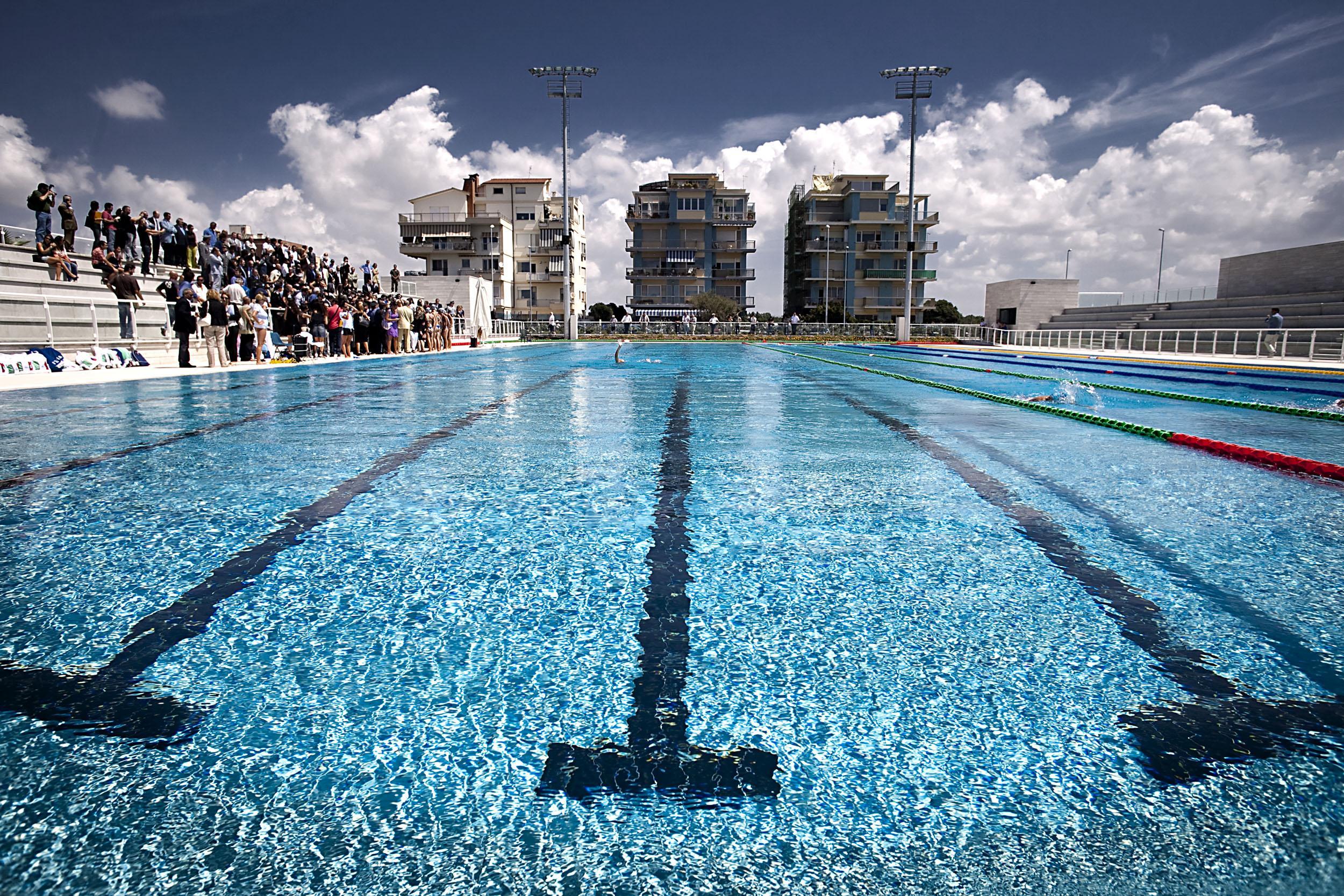 ostia chiuse le piscine dei mondiali ci nuotano solo gli