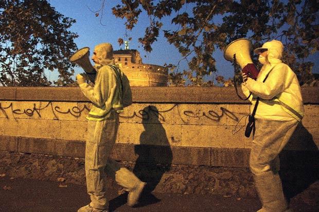 Rumori contro gli storni foto del giorno corriere roma - Uccelli che sbattono contro le finestre ...